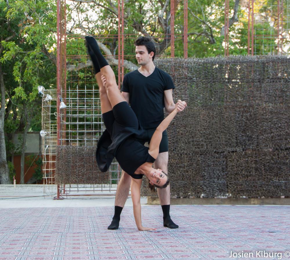 Optreden dansschool Turningpoint bij preview - photo by Josien Kilburg (2015)